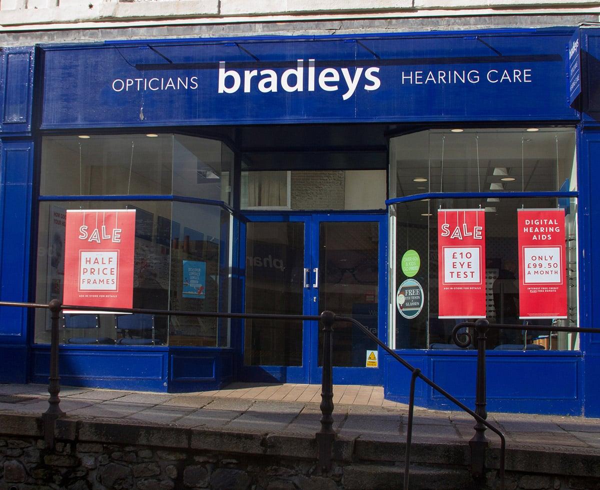 Penzance_business_Bradleys_Opticians_1